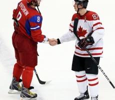 Россия потерпела поражение в хоккейном поединке с Канадой