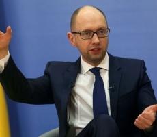 Яценюк: НАТО пока не будет принимать Украину даже при заявке от Киева