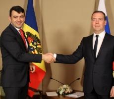 Дмитрий Медведев сообщил о готовности продолжать переговоры по возобновлению поставок молдавской продукции в Россию