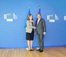 Премьер-министр Молдовы встретился с европейским комиссаром по политике соседства