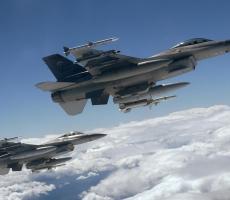 Восемь истребителей НАТО могут обеспечить безопасность Балтии