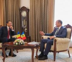 Премьер-министр Румынии предложил провести заседание правительства с Молдовой