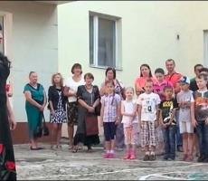 Дети Донбасса готовятся к 1 сентября