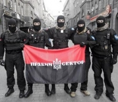 """""""Правый сектор"""" избивает православнынх верующих на Украине"""