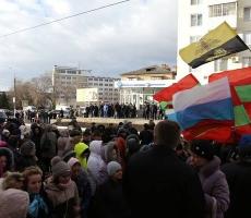 В Приднестровье начался свой Майдан: проигравшие кандидаты окружили ЦИК