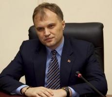 Президент Приднестровья встретился с участниками пикета здания ЦИК
