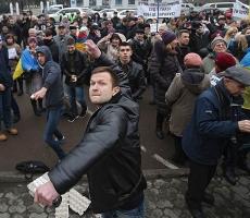 Российские посольства подвергаються нападениям по всей Украине