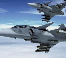Самолет Шойгу сопровождали истребители НАТО