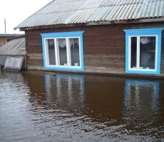 Дома жителей Великого Устюга затоплены водой