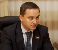Роман Худяков восстанавливает мосты и строит дороги