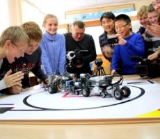 Тамбовские школьники строят роботов-уборщиков
