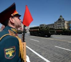 По Москве впервые проехал новый С-400