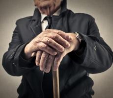 Пенсионный возраст чиновников повысится
