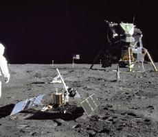 США будет осваивать Луну