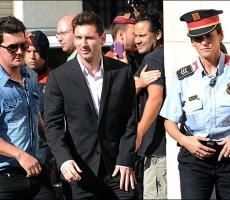 Легендарный футболист Месси и его отец отправятся в тюрьму