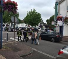 ИГИЛ взял на себя ответственность за нападение исламистов на церковь во Франции