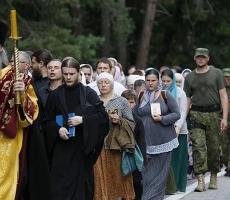 В Киеве перед входом в церковь проверяют национальность