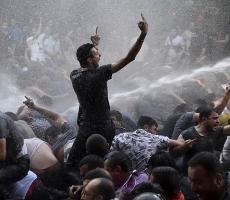В Ереване митингующий осуществил акт самосожжения