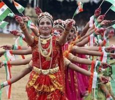 Йоги России отмечают День независимости Индии