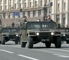 Эдуард Коваленко: военный парад в Киеве - отвлекающий маневр Порошенко