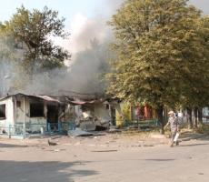 Украинские силовики бьют по Ясиноватой