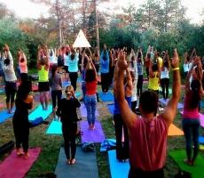Йоги Приднестровья медитируют на мир