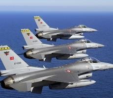 Турки успевают воевать в Сирии с боевиками и бомбить курдов у себя