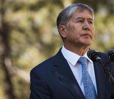 Президента Киргизии увезла скорая помощь