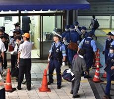 Вероятная газовая атака произошла на железнодорожной станции в Токио