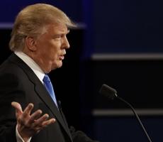 Все новые провокационные удары получает Дональд Трамп перед выборами