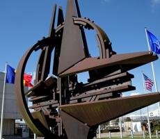 НАТО пригрозило США последствиями отказа от альянса