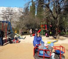 В Севастополе открыли новую детскую площадку