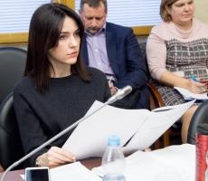 Депутат Госдумы направила предложения в Минобразования по решению проблемы с записью детей в первые классы школ