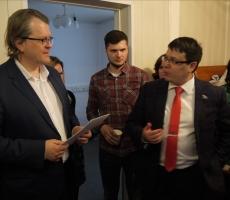 В Москве вручены сертификаты кандидатов в депутаты и политтехнологов