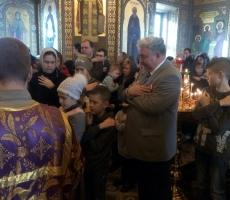 Торжество Православия: Сергей Бабурин причастился в храме Пресвятой Богородицы в Москве