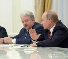 Почему Бабурин сидел справа от Путина